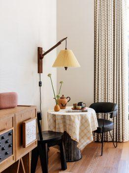 DTLA_2-1_guestroom_023